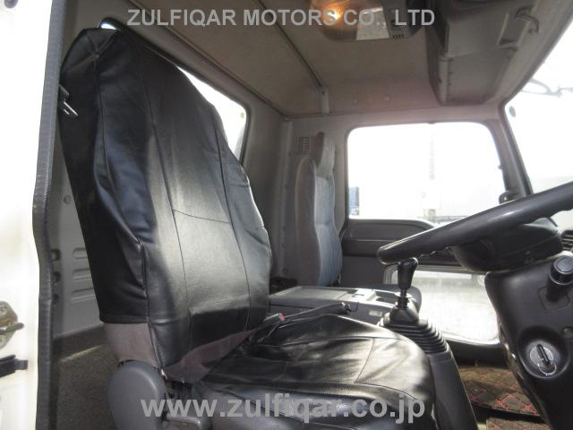 ISUZU FORWARD 2004 Image 29