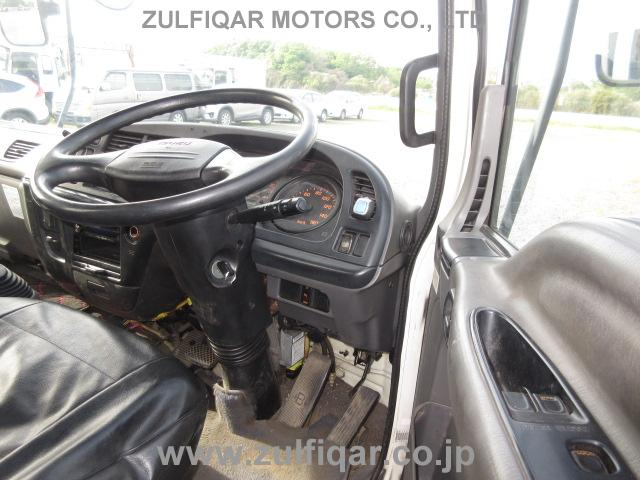 ISUZU FORWARD 2004 Image 30