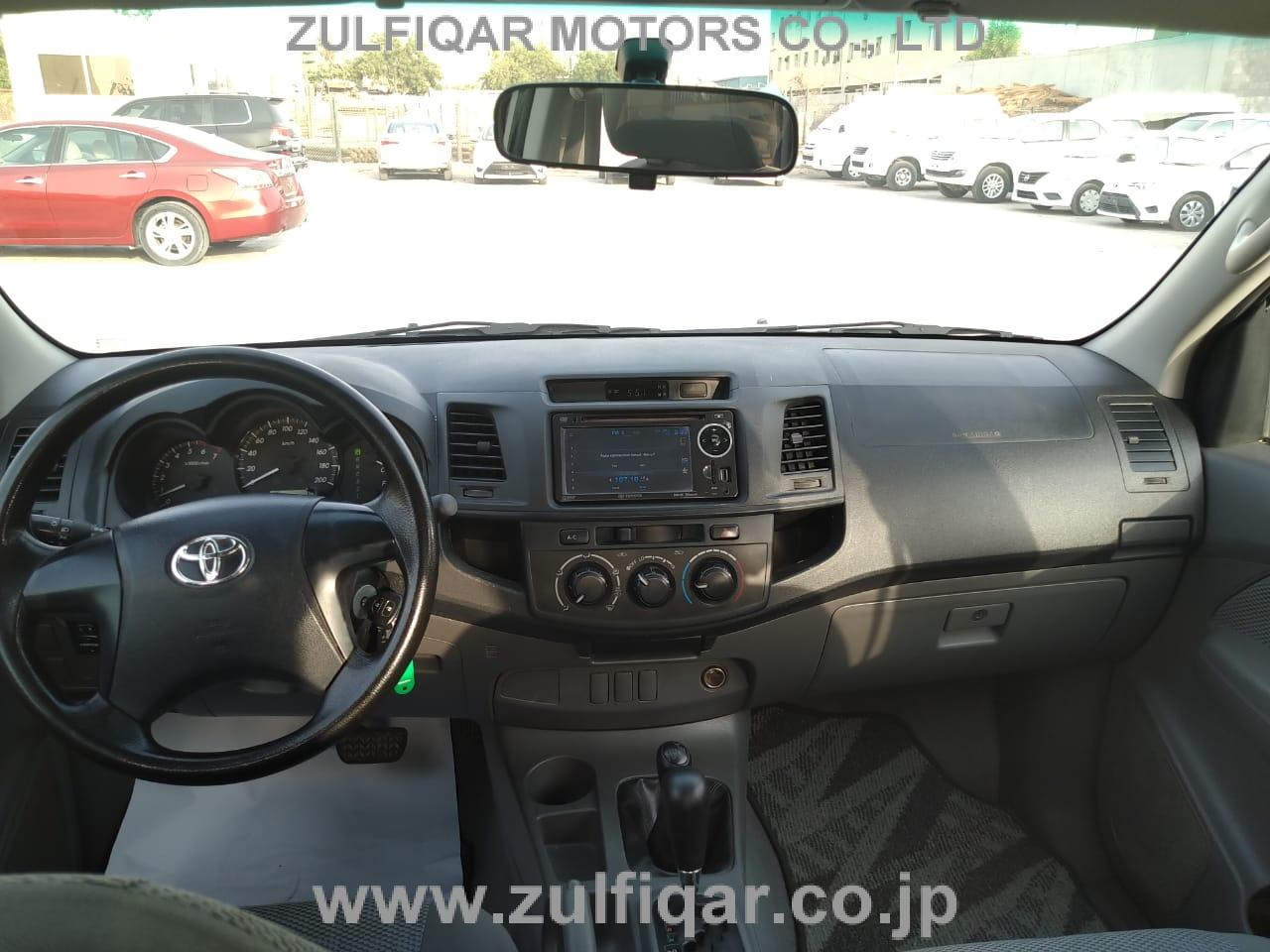 TOYOTA HILUX PICK UP 2015 Image 2