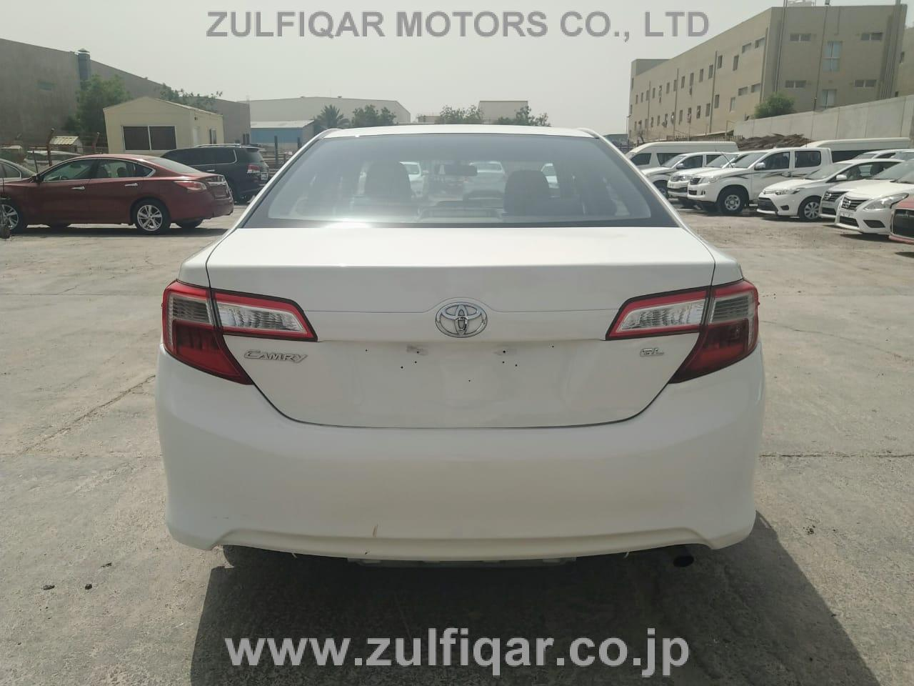TOYOTA CAMRY 2014 Image 3
