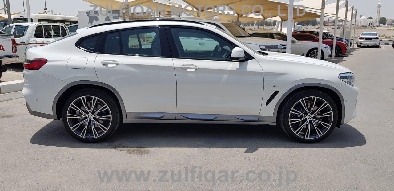 BMW X4 2019 Image 8