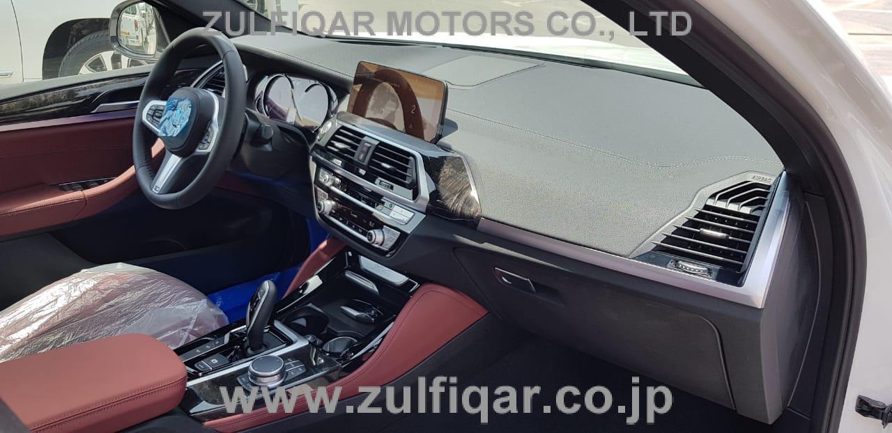 BMW X4 2019 Image 10