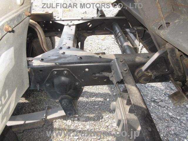 ISUZU ELF DUMP TRUCK 2000 Image 26