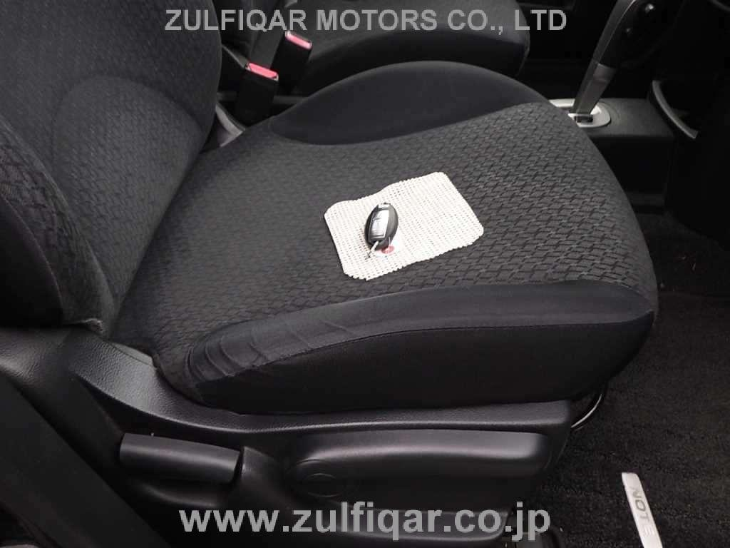 NISSAN NOTE 2012 Image 8