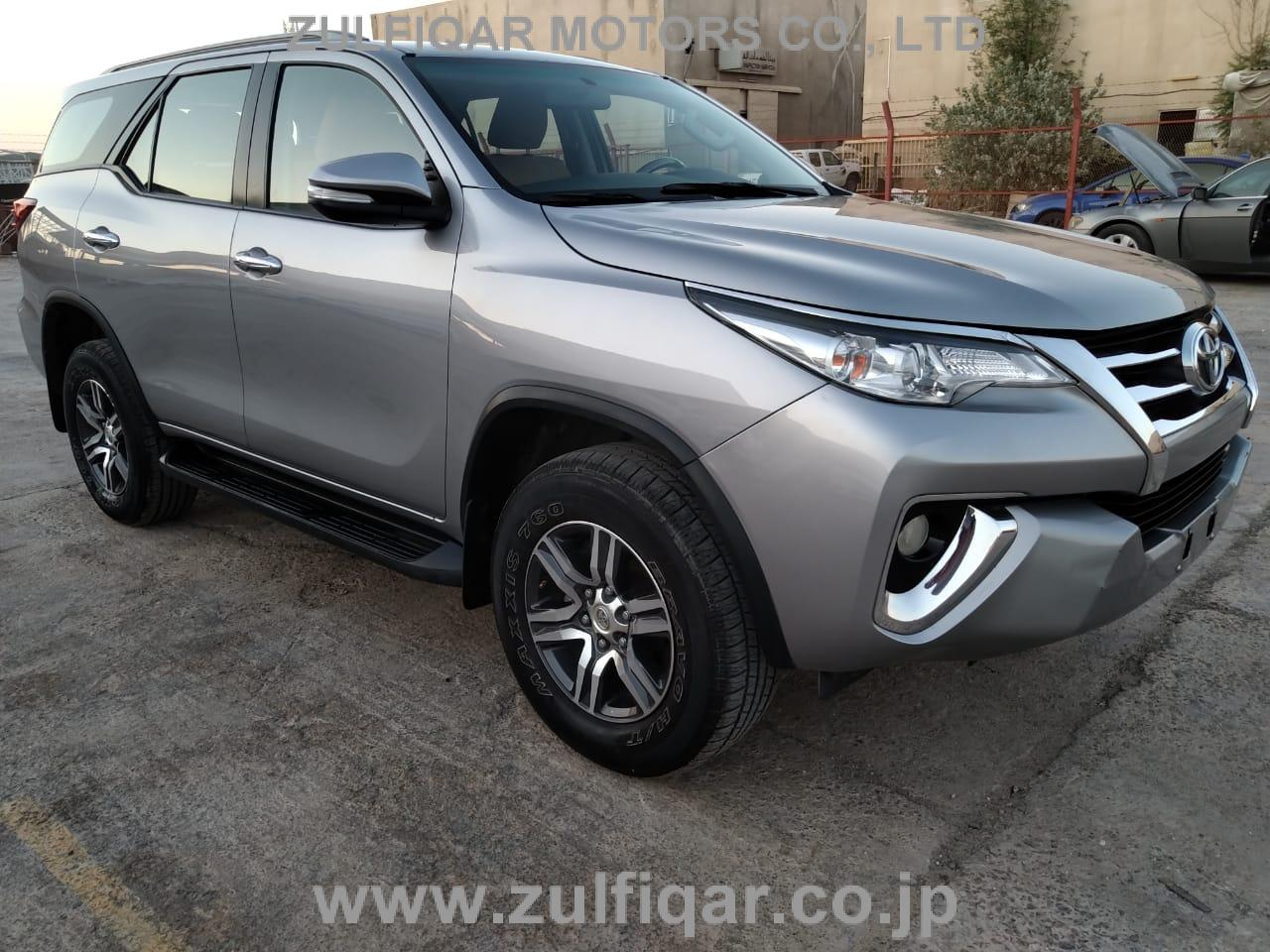 TOYOTA FORTUNER 2017 Image 4