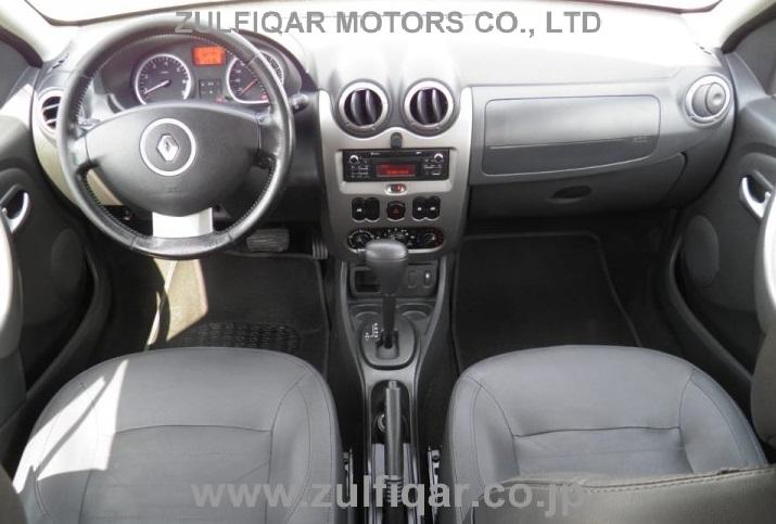 RENAULT DUSTER 2015 Image 2