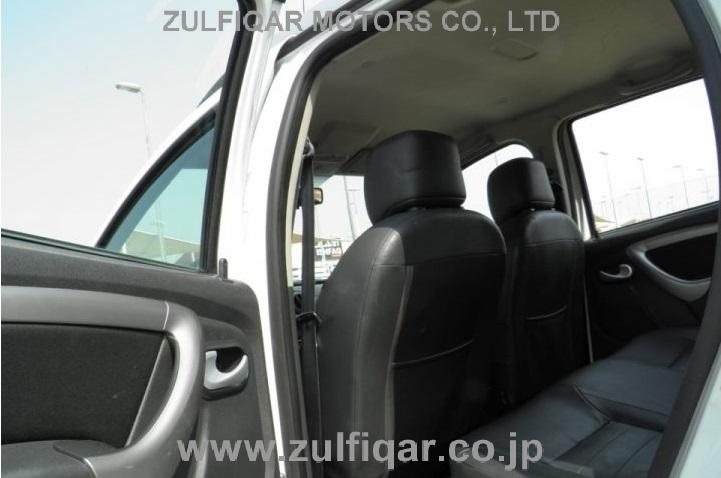 RENAULT DUSTER 2015 Image 10