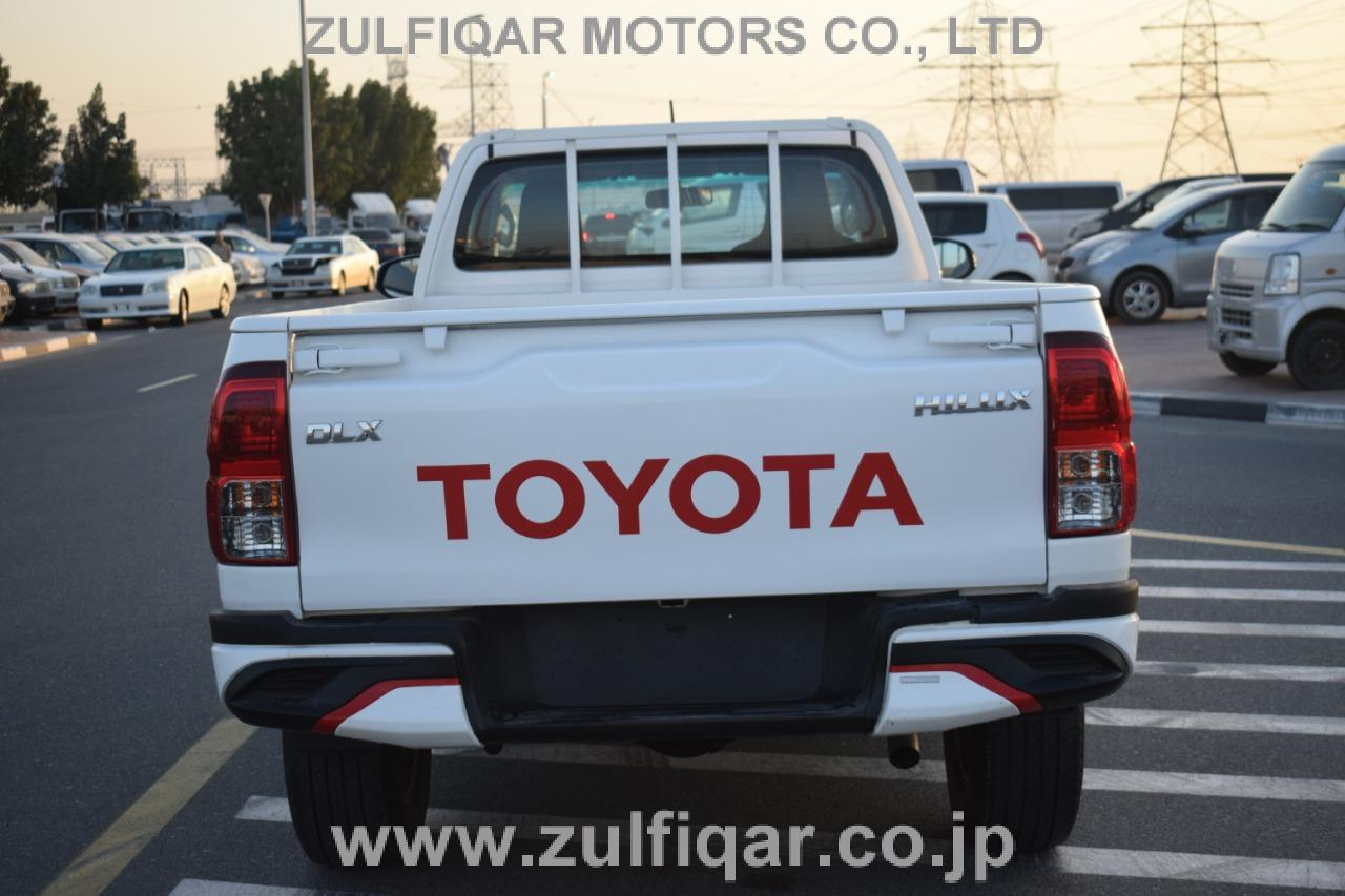 TOYOTA HILUX PICK UP 2017 Image 8