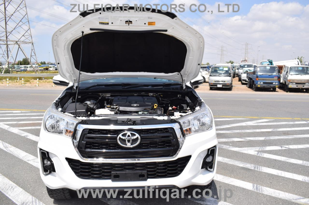 TOYOTA HILUX PICK UP 2016 Image 21