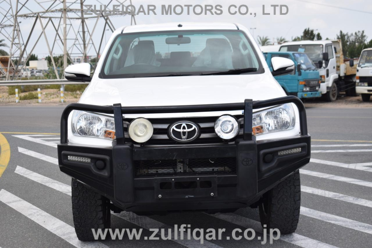 TOYOTA HILUX PICK UP 2016 Image 4