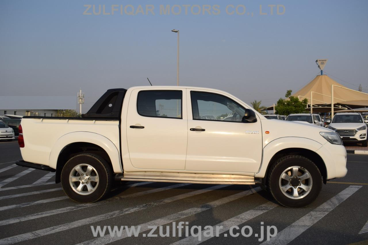 TOYOTA HILUX PICK UP 2015 Image 12