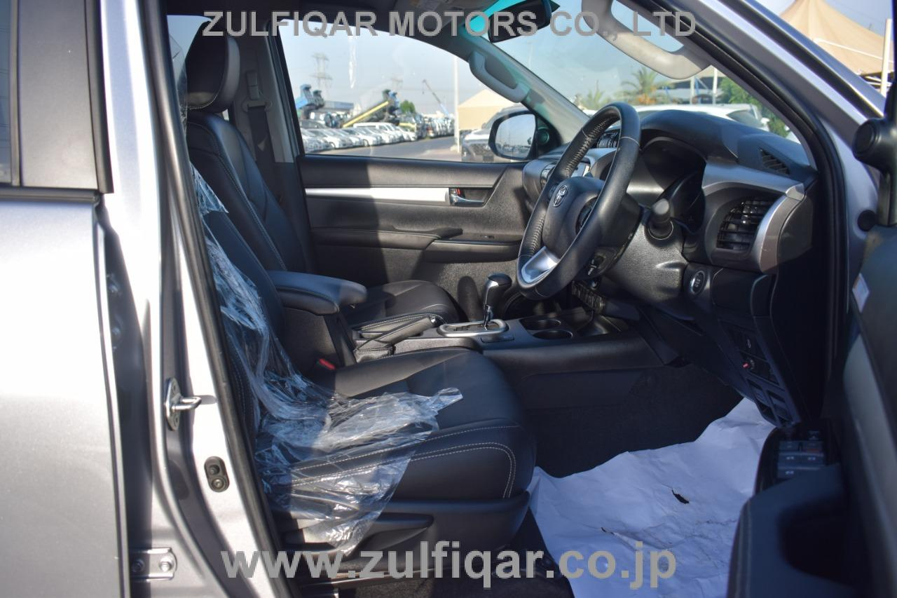 TOYOTA HILUX PICK UP 2019 Image 4