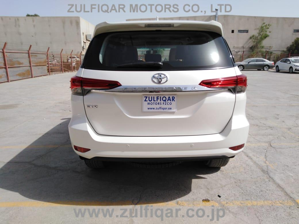 TOYOTA FORTUNER 2017 Image 2