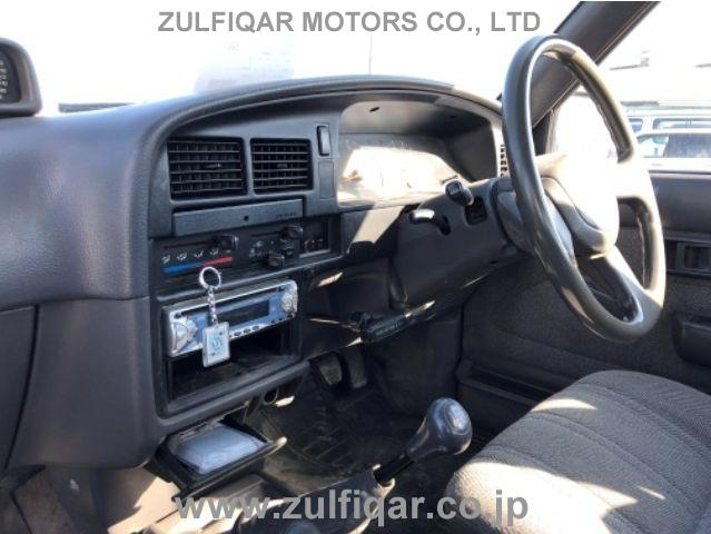 TOYOTA HILUX PICK UP 1989 Image 4