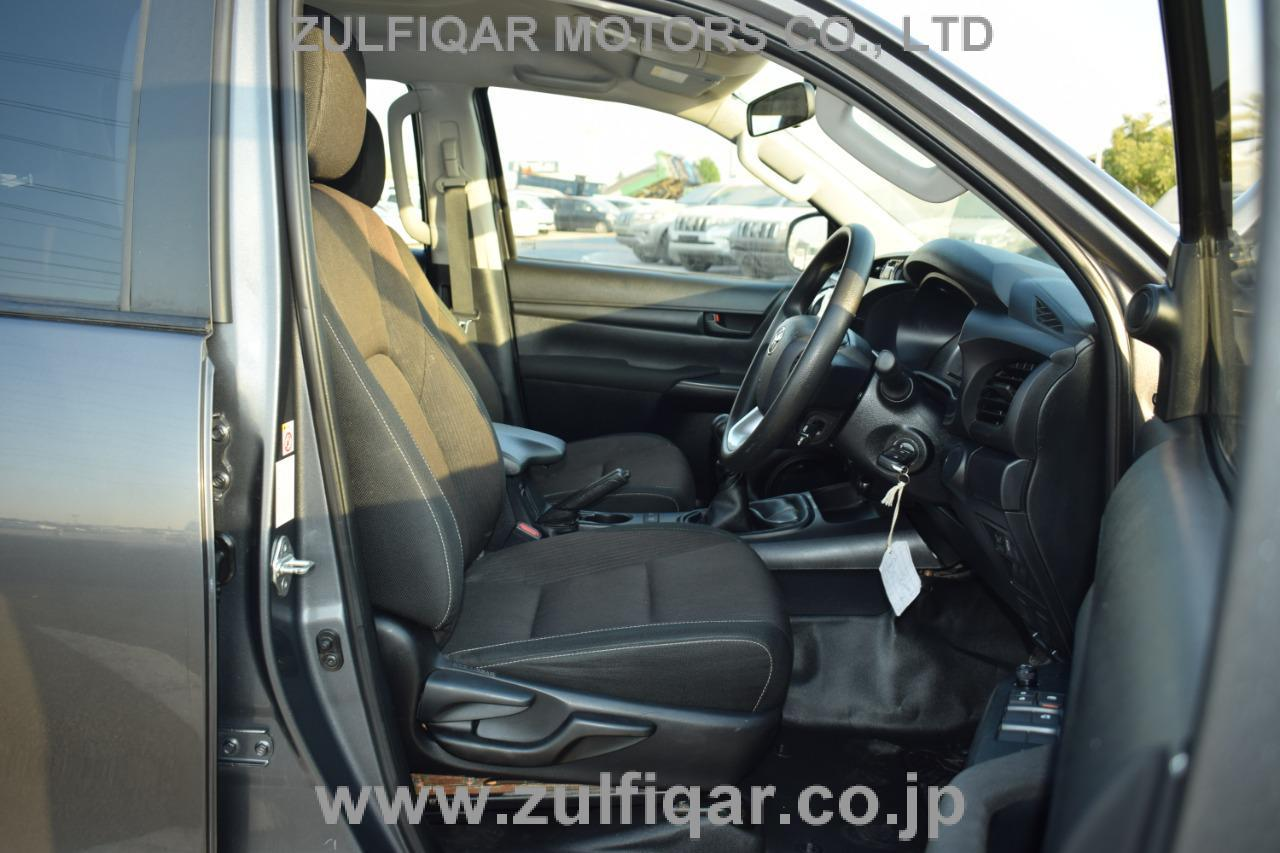TOYOTA HILUX PICK UP 2018 Image 20