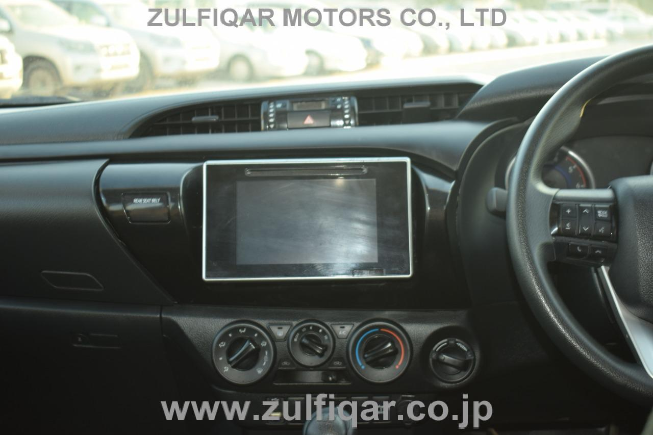 TOYOTA HILUX PICK UP 2018 Image 21