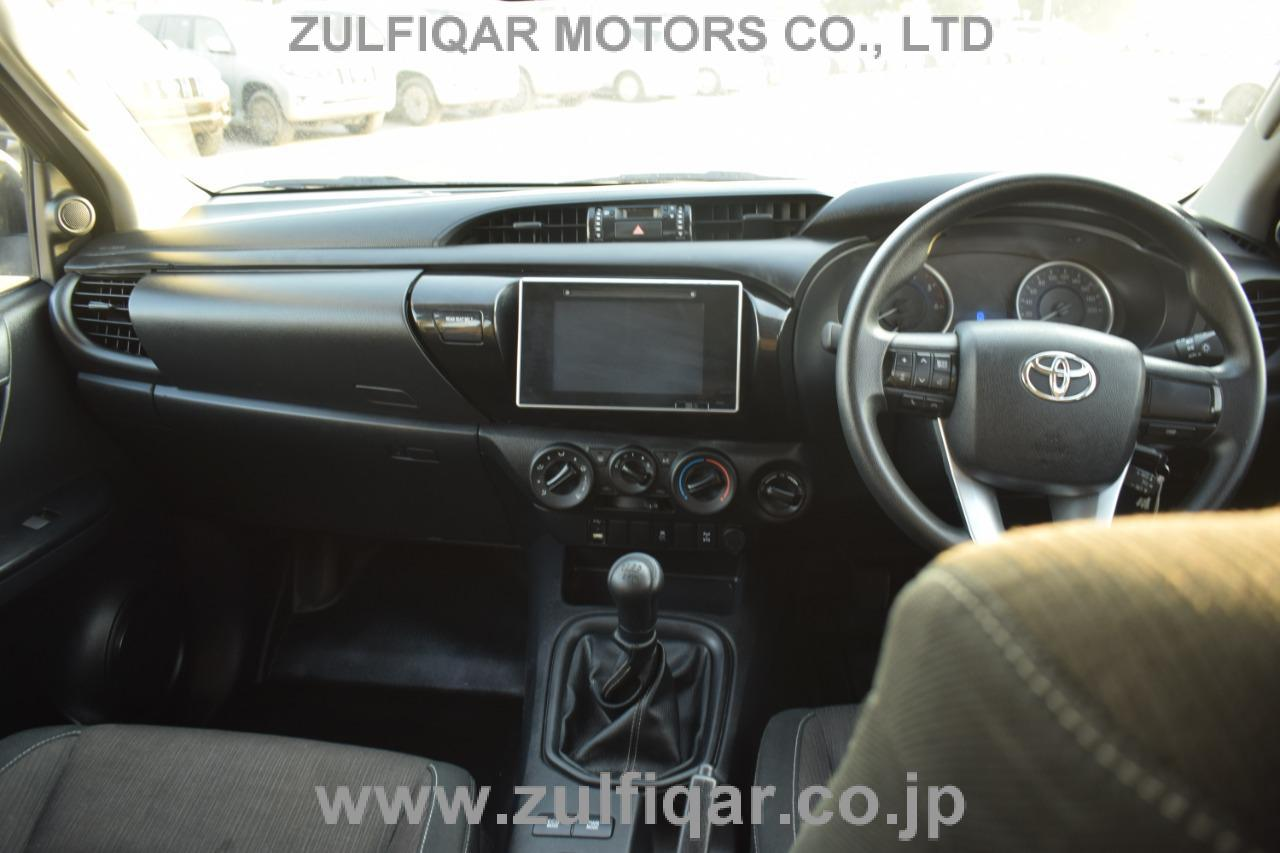 TOYOTA HILUX PICK UP 2018 Image 8