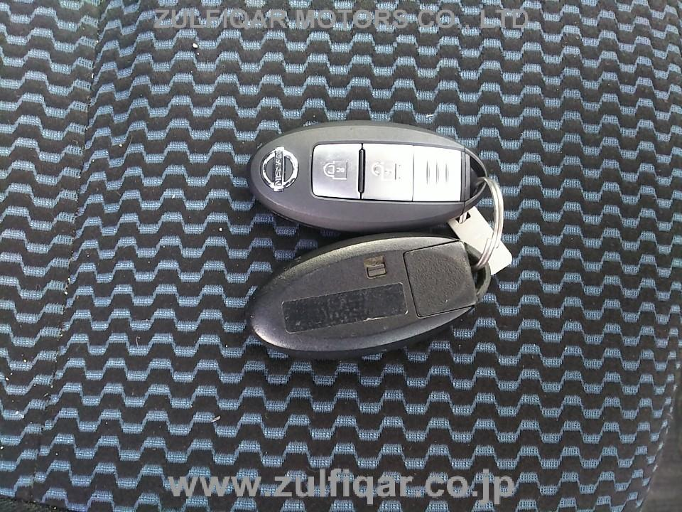 NISSAN NOTE 2016 Image 12
